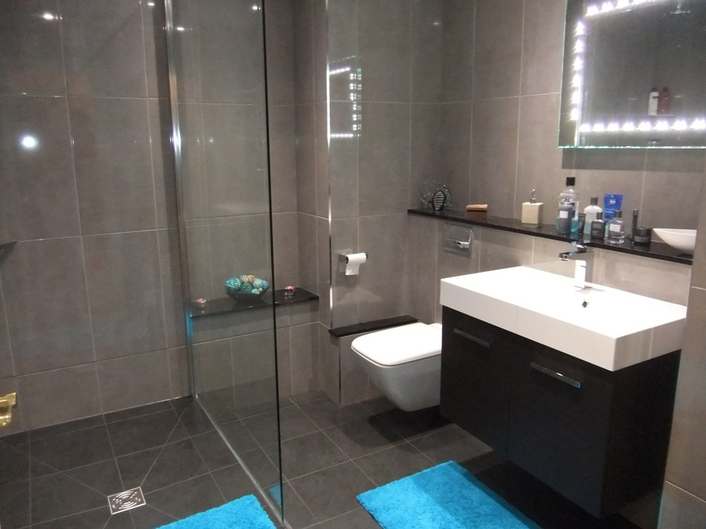 Modern shower room installation at curtis bros for Shower room images